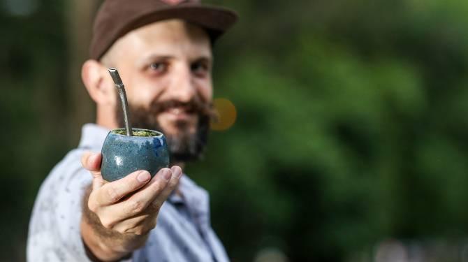 Matte n' Roll inova ao apresentar a erva com diferentes torras para o chimarrão e também ao desenvolver novos produtos. Foto: Theo Marques