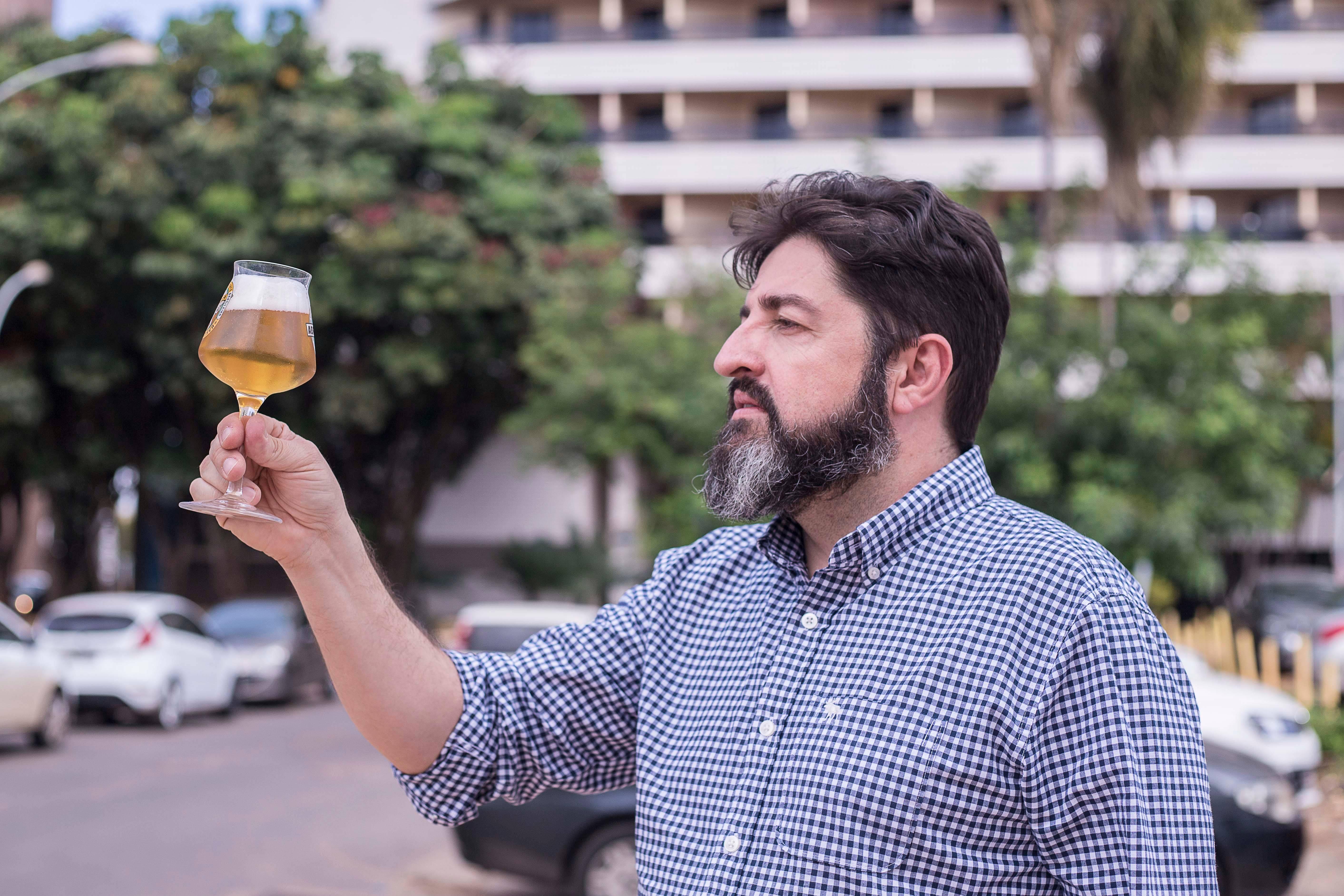 Presidente da Abracerva, Carlo Lapolli fala sobre como o caso da Cervejaria Backer. Foto: Bruno Dupon/ Divulgação