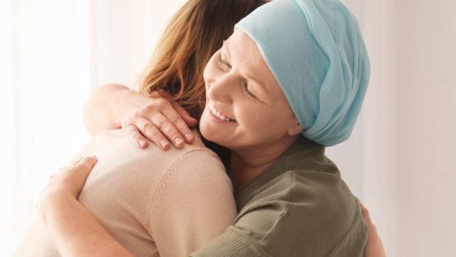 O que evitar dizer a uma pessoa em tratamento de câncer