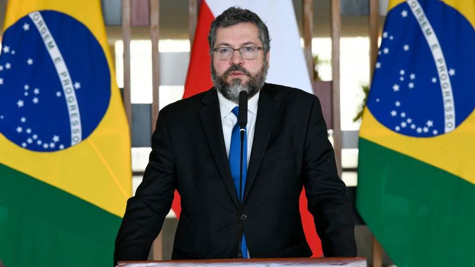 Ernesto Araújo fala da experiência brasileira na crise de refugiados da Venezuela