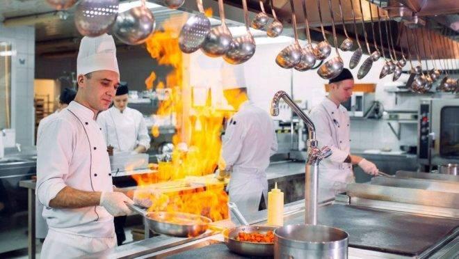 Já são pelo menos três serviços de cozinhas compartilhadas que operam no Brasil, e mais dois devem chegar nos próximos anos. Foto: Bigstock.