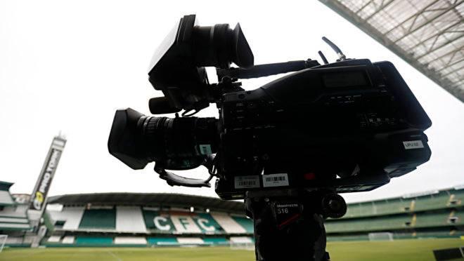 Coritiba ainda não fechou contrato com a Globo para transmissão no Brasileirão