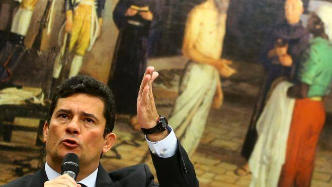 Audiência na Câmara com Moro termina em bate-boca