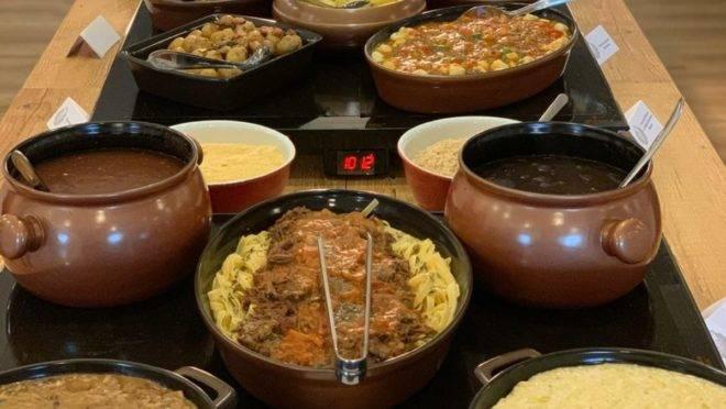Buffet a quilo do Combray Gastronomia.