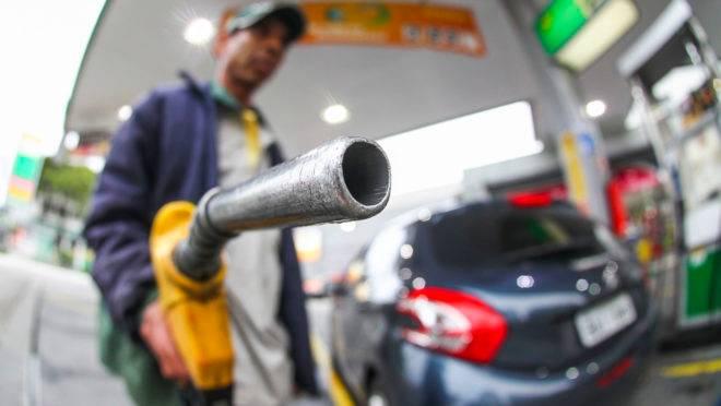 Petrobras reduz preço da gasolina e do diesel nas refinarias