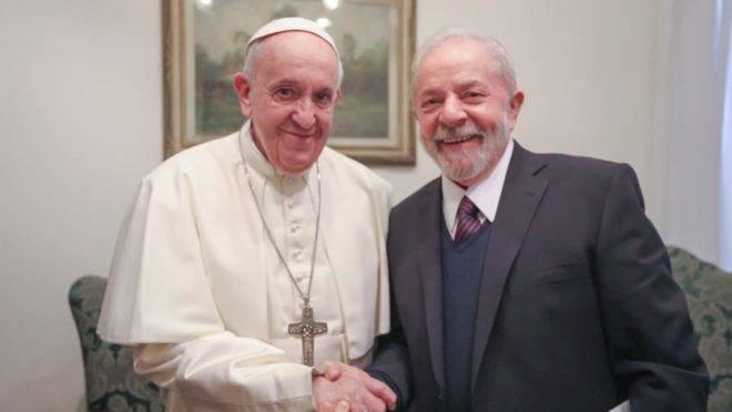 Lula se reuniu com o papa Francisco, no Vaticano: foi a primeira viagem internacional dele após sair da prisão.