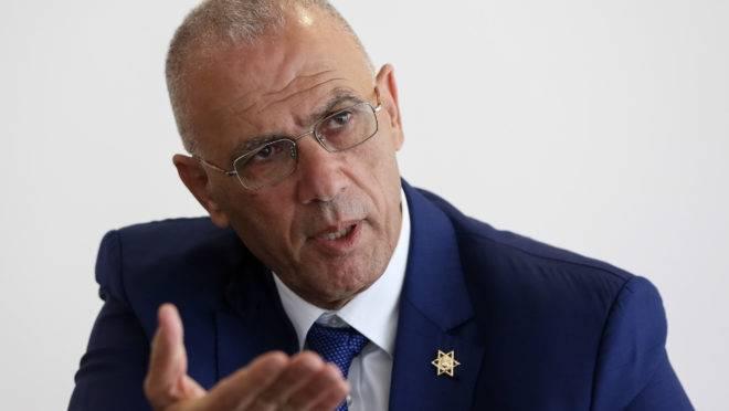 O que pensa o O embaixador de Israel no Brasil, Yossi Shelley