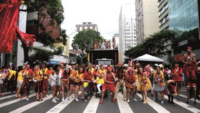 Garibaldis e Sacis, um dos blocos mais tradicionais de Curitiba