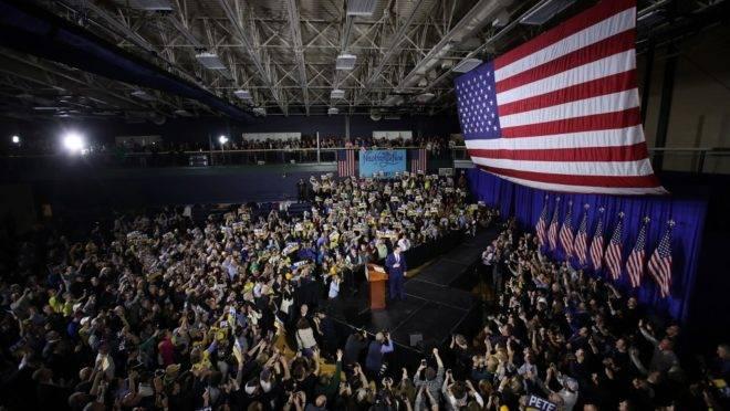 Pete Buttigieg, pré-candidato democrata à presidência dos EUA, em comício em Nashua, New Hampshire, 11 de fevereiro de 2020. Democratas escolherão em julho o candidato que enfrentará Donald Trump nas próximas eleições
