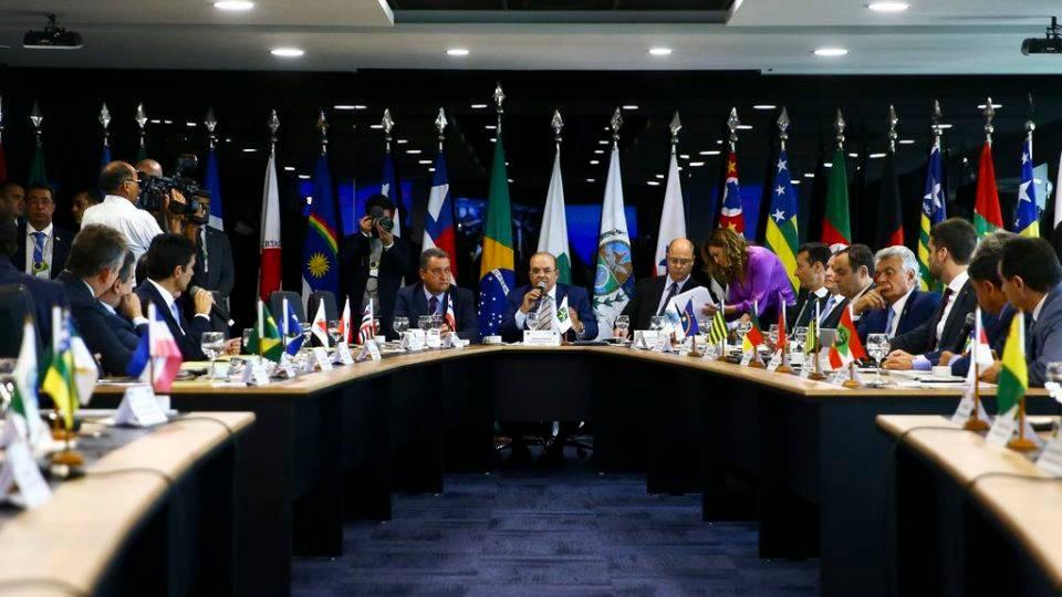 Após morte de miliciano, governadores fazem carta criticando declarações de Bolsonaro