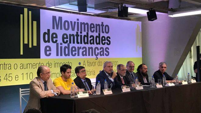 Empresários na coletiva de imprensa que lançou  o movimento contrário à reforma tributária prevista nas PECs 45 e 110.