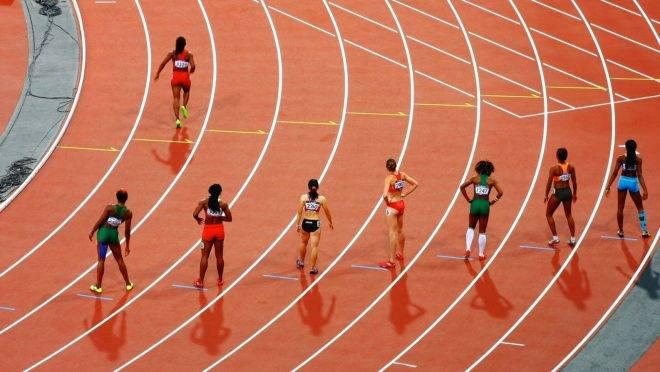 A gigante dos equipamentos esportivos escolheu um dos lados no debate sobre os transgêneros nos esportes femininos - e não foi o das mulheres.
