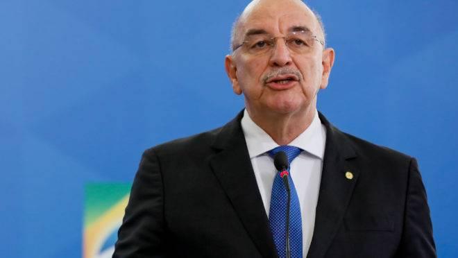 Osmar Terra vai reassumir o mandato de deputado federal, tornando-se mais um soldado de Bolsonaro no Congresso.