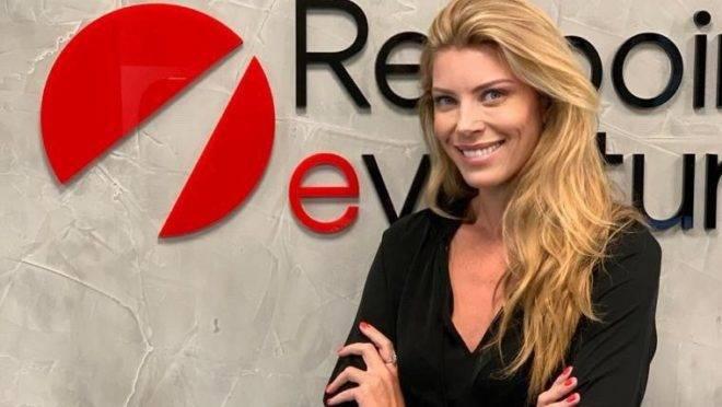Caroline Strobel é advogada por formação e atua como operating partner.