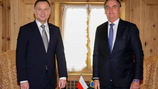 Brasil, Hungria, Polônia e EUA se unem para defender agenda conservadora internacional
