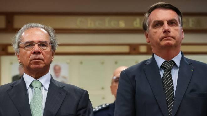 Jair Bolsonaro e Paulo Guedes (Brasília - DF, 20/02/2020) Assinatura do Protocolo de Intenções entre o Ministério da defesa e BNDES.