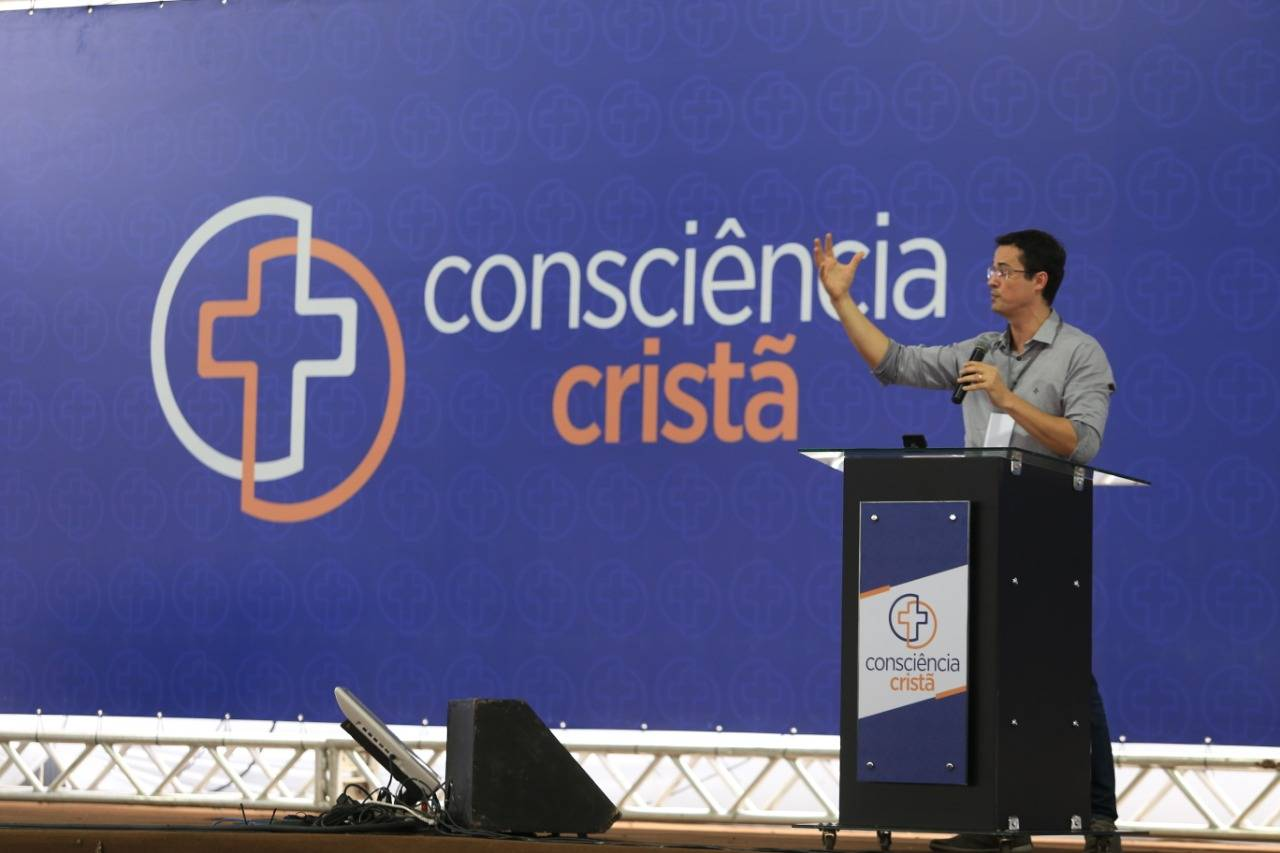 O procurador falou a milhares de evangélicos na tarde desta sexta-feira (21), em Campina Grande, na Paraíba