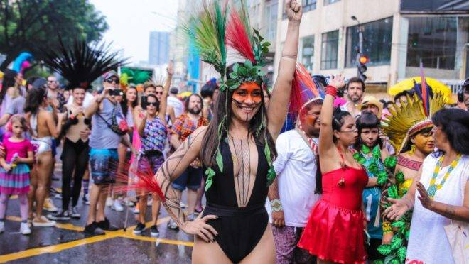 Alessandra Negrini no carnaval paulistano