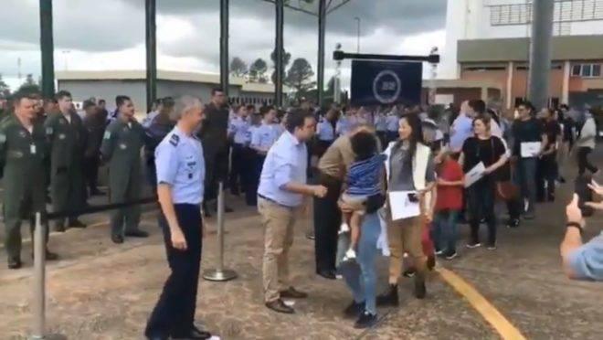 Brasileiros que estavam em quarentena por coronavírus após regresso da China são liberados