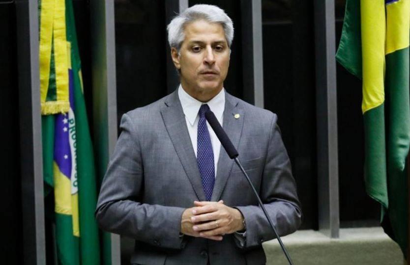 Molon representará contra Augusto Heleno por crime contra a segurança nacional