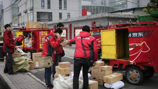 Vendas via e-commerce não param de subir na China:  ninguém vai às lojas físicas.