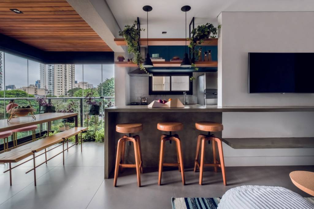 Cozinha aberta possibilita melhor aproveitamento de espaço em apartamento de 70 m².  Foto: Nathalie Artaxo