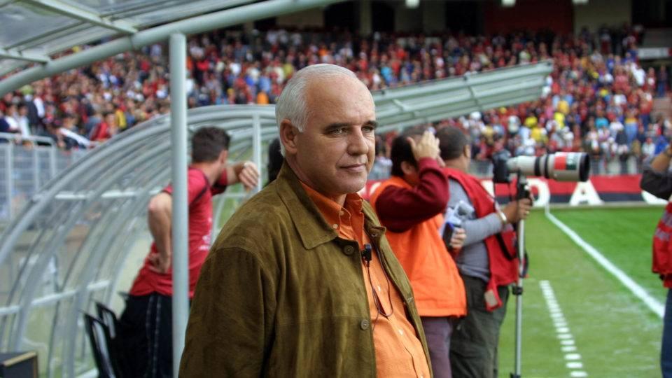 Morre Valdir Espinosa, técnico que dirigiu Athletico, Coritiba, Paraná e Londrina