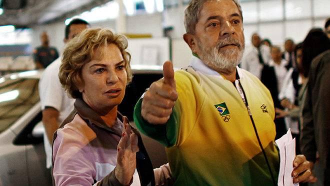 O ex-presidente Lula e Marisa Letícia, em 2010