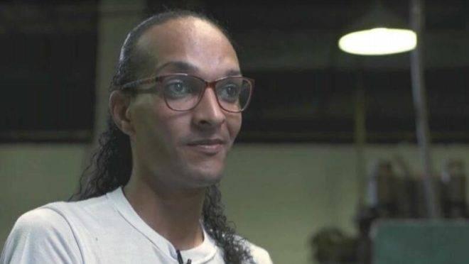 Rafael, estuprador e assassino confesso de uma criança de 9 anos, virou Suzy, uma simples trans abandonada na cadeia.