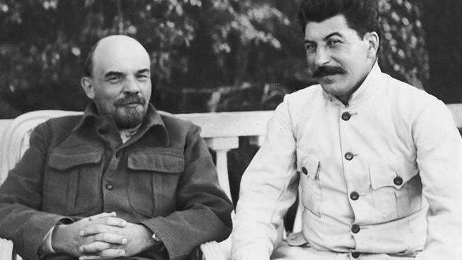 Lenin e Stalin em Nijni Novgorod.