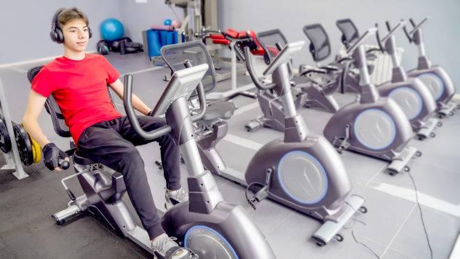 Praticar exercícios físicos durante tratamento contra câncer reduz sintomas de fadiga e outros causados pelo próprio tratamento