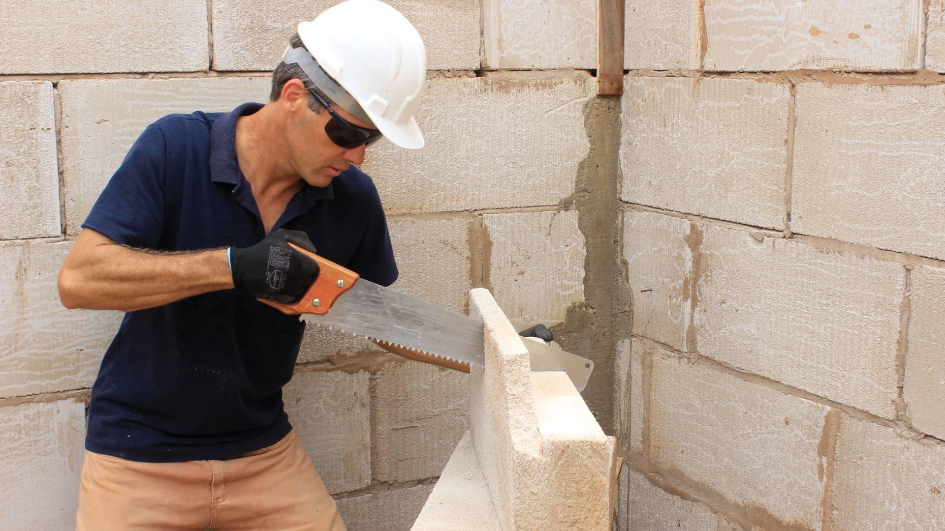 Flávio Bernardo coloca a mão na massa para transformar ambientes. Foto: Divulgação