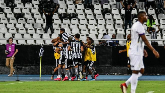Botafogo venceu por 1 a 0 no Nilton Santos.