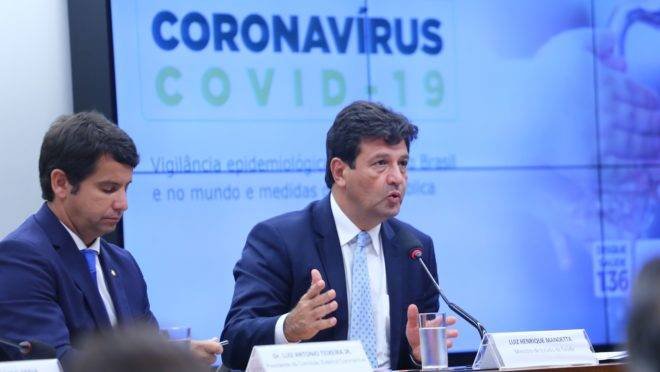 O ministro da Saúde, Luiz Henrique Mandetta, durante audiência na Câmara dos Deputados sobre o coronavírus.