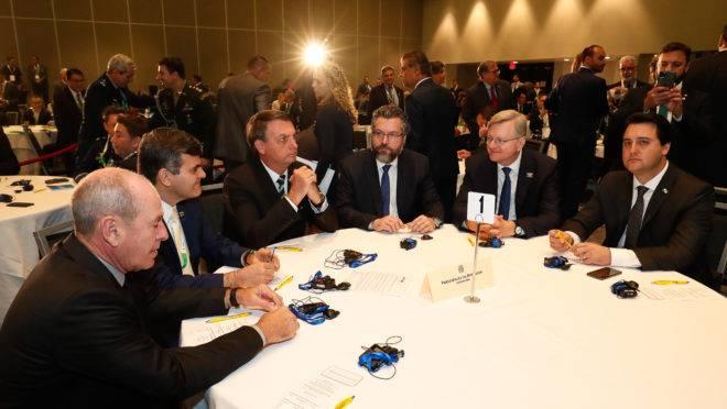 Parte da comitiva do presidente Jair Bolsonaro, na Flórida.