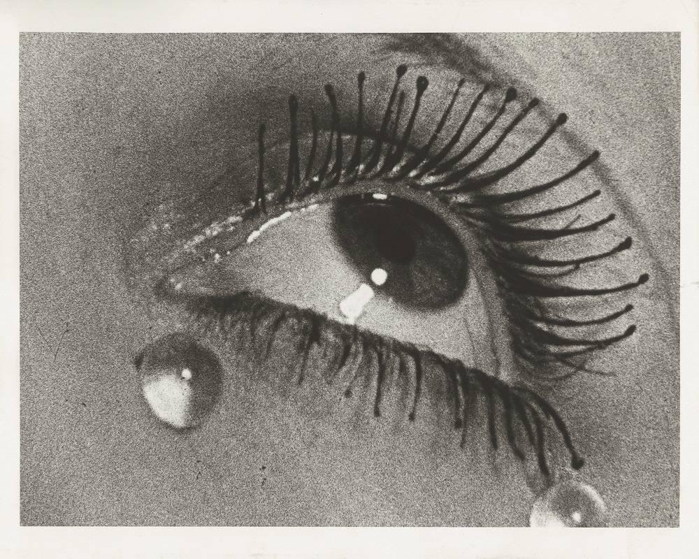 """""""As Lágrimas"""", obra que é uma das mais importantes da carreira de Man Ray."""
