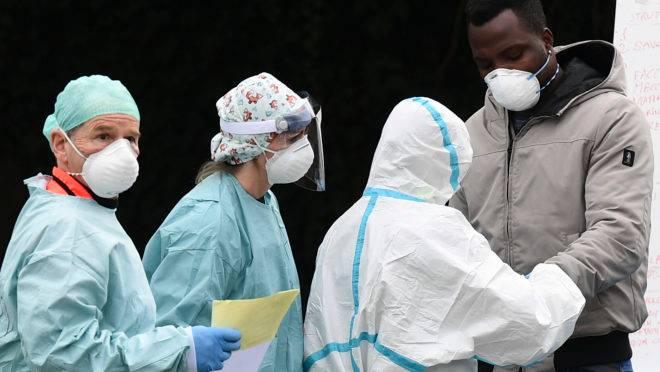 Evolução do coronavírus no Brasil: país pode ter 30 mil casos até ...
