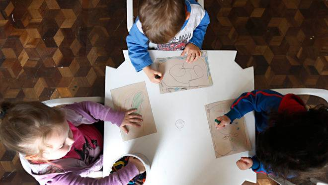 Creches – escolas infantis – escola infantil – creche – crianças – atividade infantil – pré-escola – maternal – ensino infantil – brincadeiras de criança – creche convenidada com a prefeitura de Curitiba –