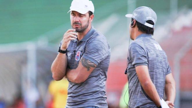 Allan Aal, treinador do Paraná Clube, criticou aviso tardio sobre suspensão da Copa do Brasil
