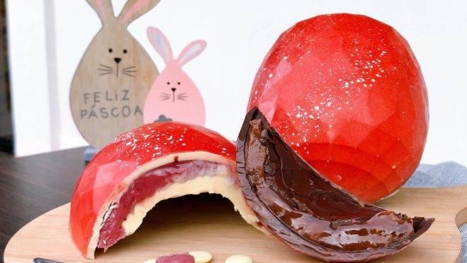 Confeitaria de Curitiba aposta em recheios com frutas nesta Páscoa. Sotile Pasticceria cria ovo com recheio de maracujá e framboesa. Foto: Divulgação.