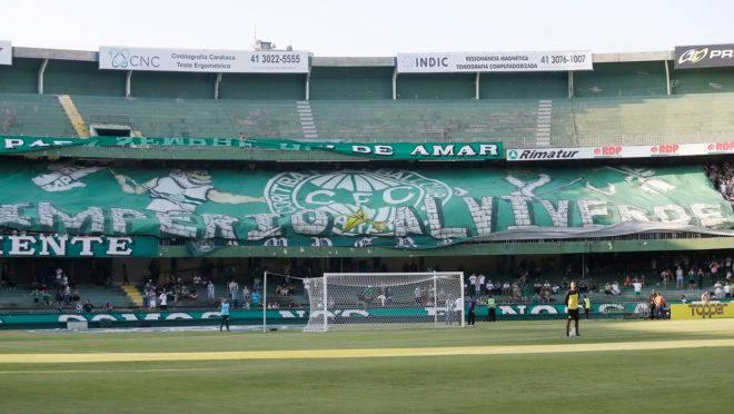 Diretoria do Coritiba estuda alternativas enquanto o futebol brasileiro está paralisado