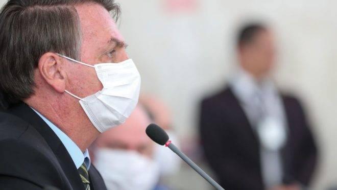 Jair Bolsonaro fala sobre pandemia do coronavírus