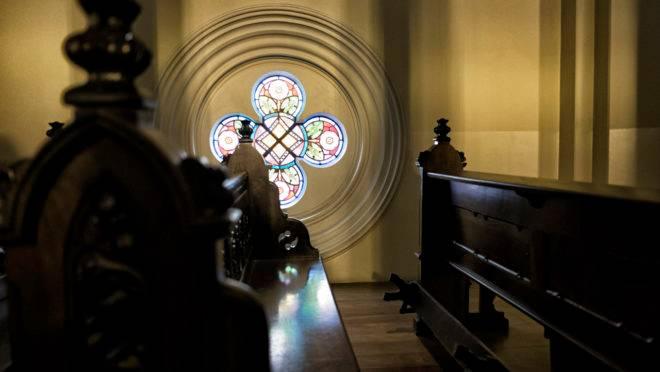 Igreja recomenda que fiéis intensifiquem orações em casa.