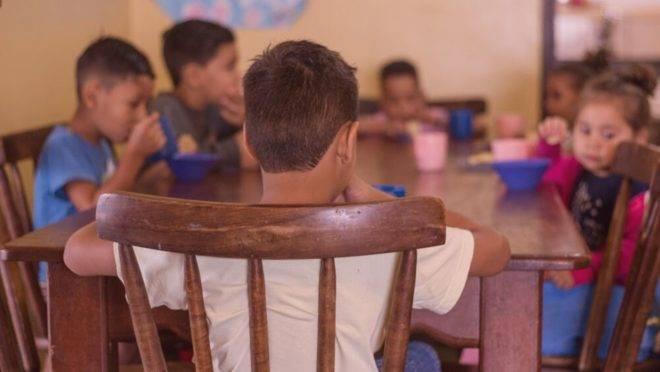 Projeto atende 400 criancas