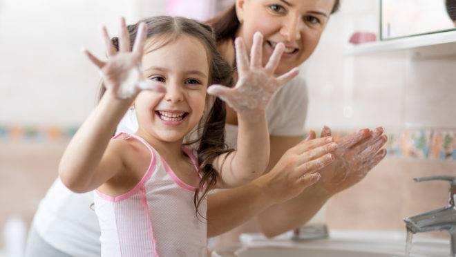 5 dicas para os pais reforçarem a importância da higiene pessoal para as crianças