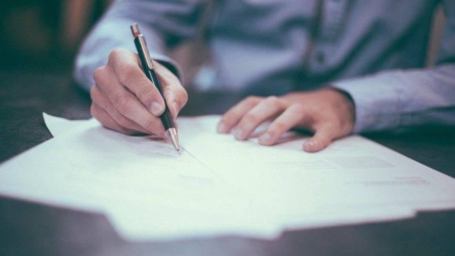 Apenas a assinatura dos testamentos está sendo feita presencialmente nos cartórios do Paraná.