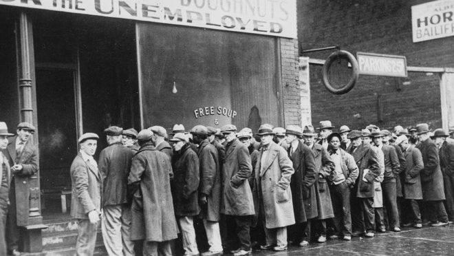 """Depois do """"Crash de 1929"""", a Lei Smoot-Hawley tentou aliviar a depressão, mas acabou a aprofundando."""