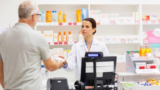 Startup curitibana, Clinicarx criou um curso online para treinamento de farmacêuticos, além de um chatbot para autoavaliação de suspeitas e um software para protocolar triagens.