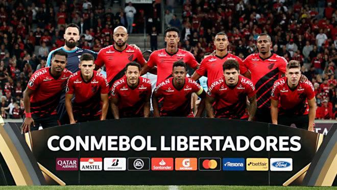 Equipe do Athletico na estreia na Libertadores 2020, contra o Peñarol
