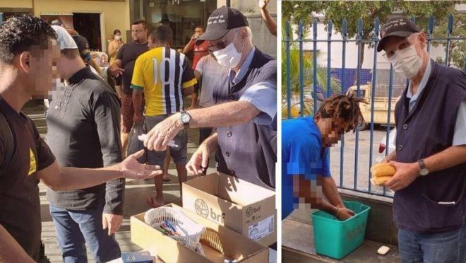 """Mesmo no grupo de risco, o pároco Julio Lancellotti coloca máscara e avental diariamente para distribuir alimentos, roupas e kits de higiene a quem precisa: """"não podemos abandonar justamente agora quem está mais vulnerável""""."""